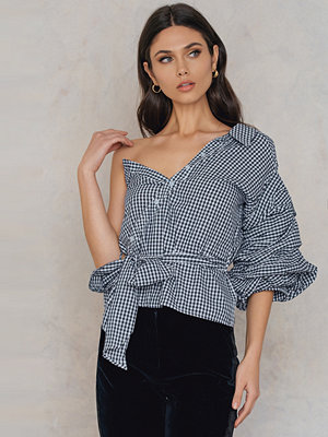 Hot & Delicious One Shoulder Gingham Top