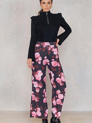 NA-KD mönstrade byxor High Waist Flared Pants multicolor