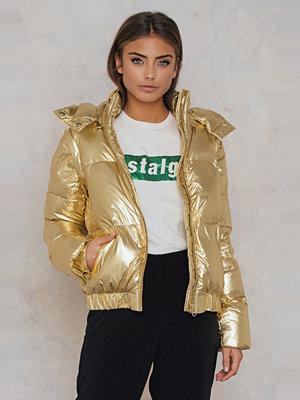 Gestuz omönstrad bomberjacka Gold Jacket