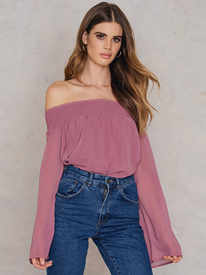 NA-KD Boho Off Shoulder Long Sleeve Top rosa