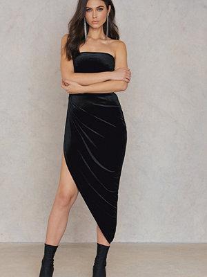 Rebecca Stella Off Shoulder Side Slit Dress