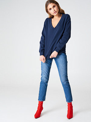 NA-KD Basic V-neck Basic Sweater blå