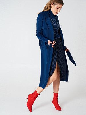 Lavish Alice Satin Trench Coat - Jackor