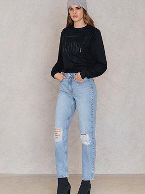 NA-KD Trend Destroyed Knee Jeans