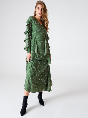 Liquorish Ruffle Sleeve Maxi Dress