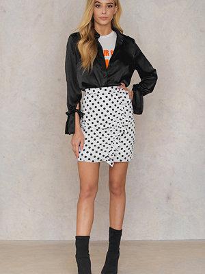 Qontrast X NA-KD Side Frill Skirt