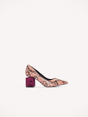 NA-KD Shoes Cut Out Heel Snake Pumps rosa lila