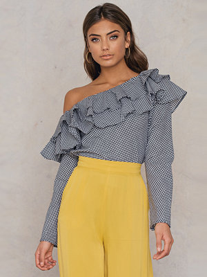 NA-KD Trend Double Frill Asymmetric Top