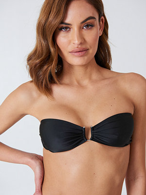 NA-KD Swimwear Metal Loop Bandeau Bikini svart
