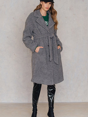 NA-KD Trend Teddy Coat