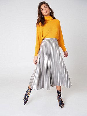 Bardot Metallic Pleated Skirt