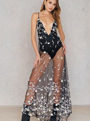 Boohoo Embroidered Maxi Dress