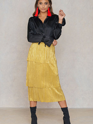 NA-KD Trend Triple Layers Gold Skirt