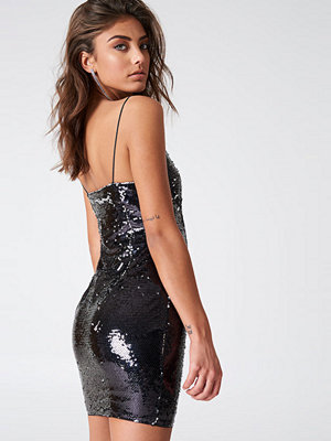 Vanessa Moe x NA-KD Sparkle It Up Slip Dress