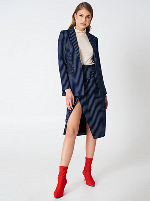 NA-KD Trend Pinstriped Asymmetric Skirt