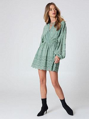 NA-KD Boho Lace Up Lace Dress