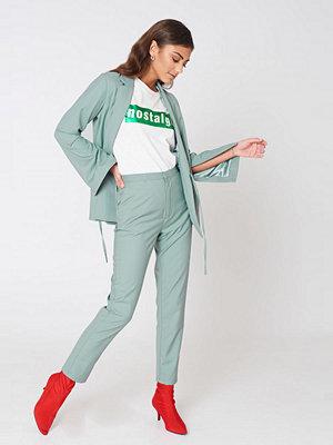 NA-KD Trend ljusgrå byxor High Waist Suit Pants