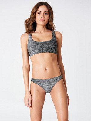 Hannalicious x NA-KD Glittery Bikini Panty grå