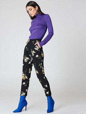 Rut & Circle svarta byxor med tryck Elsa FLower Pants