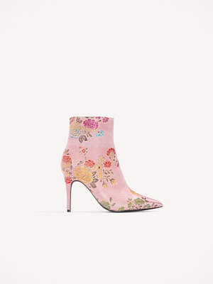Pumps & klackskor - NA-KD Shoes Jacquard Flower Satin Boots rosa