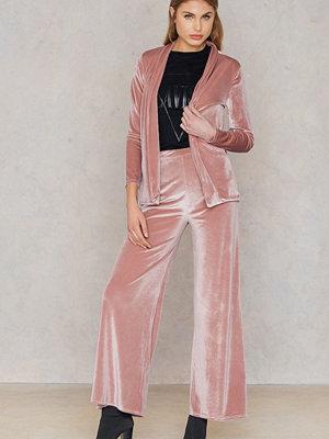 Boohoo gammelrosa byxor Velvet Wide Leg Trouser rosa