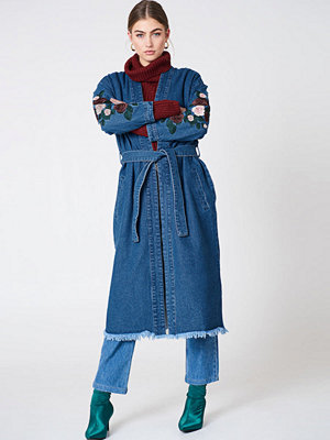 NA-KD Embroidery Denim Coat blå