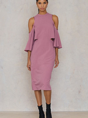 NA-KD Cut Out Tied Neck Dress rosa