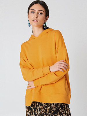 NA-KD Gathered Sleeve Hoodie orange