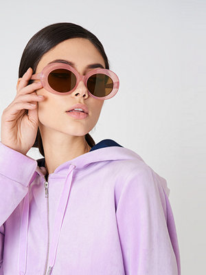 Solglasögon - NA-KD Accessories Oval Sunglasses rosa