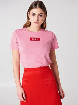 T-shirts - NA-KD NA-KD Logo Tee rosa