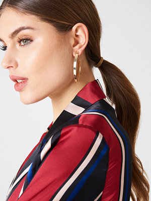 NA-KD Accessories örhängen Structured V-Shaped Drop Earrings