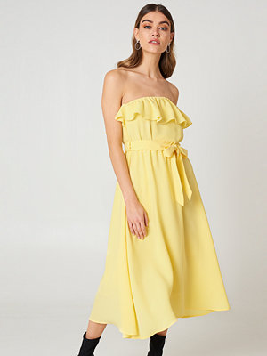 Andrea Hedenstedt x NA-KD Flounce Midi Dress