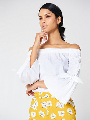 NA-KD Off Shoulder Tie Sleeve Top - Vardag