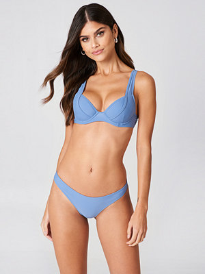 J&K Swim x NA-KD High Leg Bikini Bottom blå
