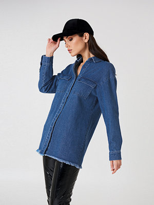 NA-KD Denim raw Hem Shirt blå