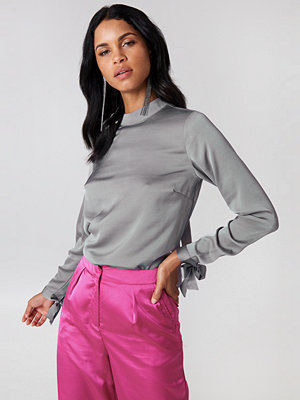 Rut & Circle Ebba Back Knot Blouse - Blusar