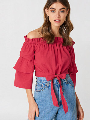 Andrea Hedenstedt x NA-KD Off Shoulder Frill Sleeve Top - Vardag