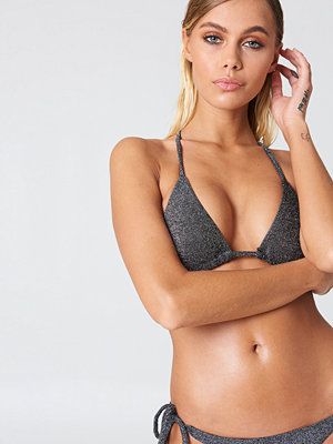 NA-KD Swimwear Sparkle Triangle Bikini Top svart silver