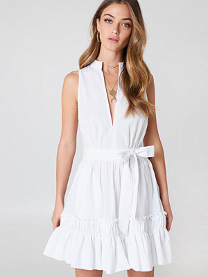 Debiflue x NA-KD Sleeveless Front Tie Dress
