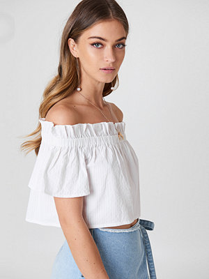 Debiflue x NA-KD Off Shoulder Short Sleeve Top