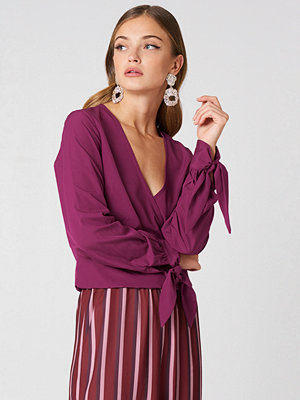 NA-KD Tied Sleeve Wrap Over Top lila