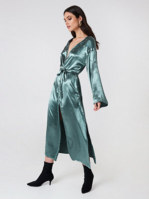 Glamorous Long Sleeve Robe Dress