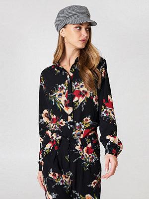 Rut & Circle Carina Flower Blouse - Blusar