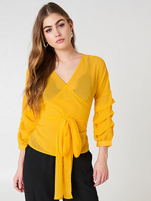 NA-KD Tied Waist Gathered Sleeve Blouse