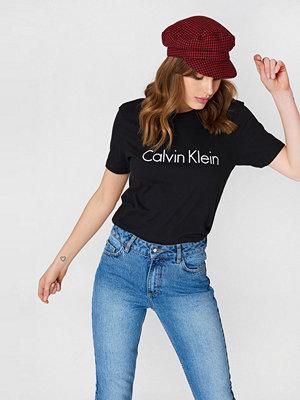 T-shirts - Calvin Klein SS Crew Neck T-Shirt