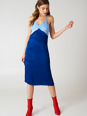 NA-KD Block Colored Slip Dress - Midiklänningar
