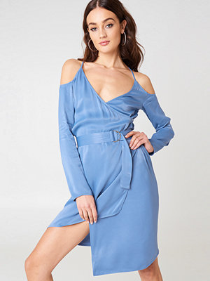 NA-KD Party Cold Shoulder Asymmetric Dress - Festklänningar