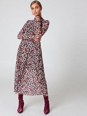 NA-KD Trend Mesh LS Midi Dress rosa multicolor