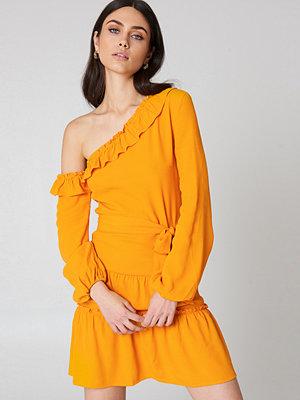 NA-KD Boho Slip Shoulder Balloon Sleeve Dress