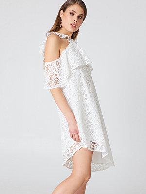NA-KD Boho Cold Shoulder Frill Lace Dress